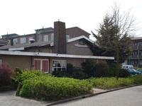 F013170 Partycentrum 't Veuronder aan de Colijnlaan in de Hanzewijk.