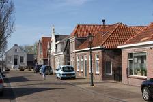 222 - 202 Hoofdstraat 134 (r) verder oplopend, Oldemarkt: in het midden het Veerhuis