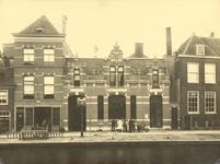 FOTO-001346 Het gebouw van de pakketpost aan de Boommarkt, 1910