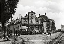 8731 Café central Tramhalt, op de kruising van Emmasingel en Paralelweg, ca. 1905