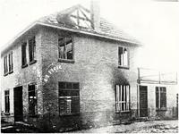 65813 Door brand verwoeste groentewinkel, Pastoriestraat, 1930