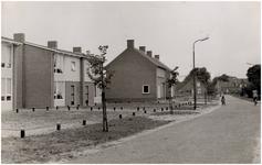 Een serie van 4 foto's betreffende Lindenstraat, 1957