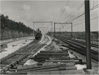 Serie van 3 foto's betreffende de aanleg van het hoogspoor, 06-1953