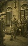Een serie van 3 foto's betreffende het bezoek van prins Bernhard aan Eindhoven, 19-09-1944