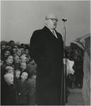 196535 Het houden van een toespraak door Jacques Denteneer, voorzitter van de V.V.V., 05-1948