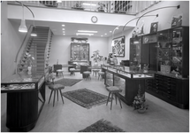 139916 Interieur Opticien W. Werrelman, 02-1958