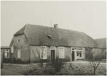 101471 Dorpsstraat 55. Boerderij met groentehandel. Later is is gebouwd de ABN-bank en groente- en fruithandel Manders, z.j.
