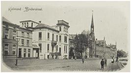 104368 Markt, westzijde. De huizen links zijn in 1904 afgebroken. Achteraan het klooster Sint Aloysius, 1894 - 1904