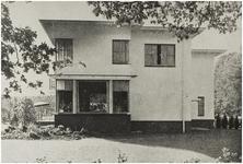 107375 Wesselmanlaan 51, hoek 'Jan van Brabantlaan'. In 1938 gebouwd huis onder architectuur van W.A.M. van der Ven. ...