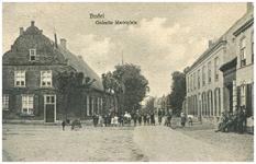 46446 Marktplein: Gedeelte van het Marktplein. Links achter het pand van Mathijsenstraat 1 van Brouwer Koeckhofs ...