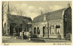 46460 Ned. Hervormde Kerk met Weeme: rechts de pastorie, 1942