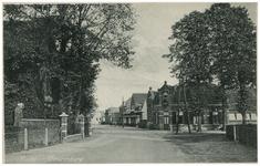 46466 Dr. Ant. Mathijsenstraat: Links Ned. Herv. kerk, rechts de Bonte Os, 1934