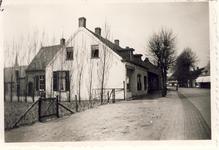 577611 Emmastraat, slagerij Piet Kemenade, 1956