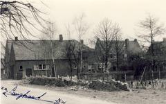 577613 Langstraat, rechts is bakkerij Slaats, 1956