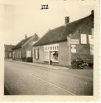 577618 Emmastraat, voorste huis is van Lau vd Heuvel, 1956