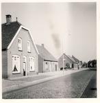 577719 Wolfsberg. Het 1e huis links is van Hoeben en het 2e huis is van Loomans, 1959