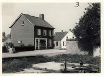 577764 Emmastraat, met links het pand van schilder Beks, 1961