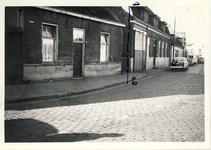 577799 Links het woonhuis van Verdonschot aan de Emmastraat, 1962