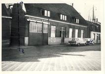 577801 Autobusbedrijf van van Asten aan de Emmastraat, 1962