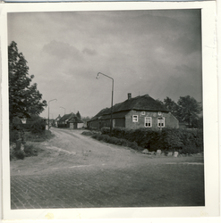 577872 Boerderijen aan de Polderweg gezien vanaf de Wolfsberg, 1963