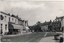 577942 Markt met links café De Wit, 1957