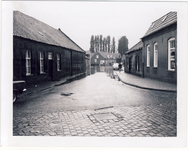 577945 Burgemeester Frenckenstraat met op voorgrond de Prins Berhardstraat, 1955-1965