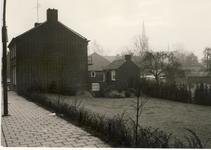 577947 Langstraat met op de achtergrond de kerk, 1955-1965