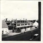 577975 Bouw van supermarkt A&O met appartementen aan de Markt, 1955-1965