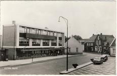577976 Supermarkt A&O met appartementen aan de Markt, 1955-1965