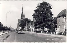 578002 Wilhelminastraat met achteraan de kerk, 1955-1965