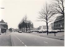 578031 Koningsplein met rechts huize Bartholomeus, 1987