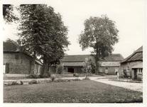 578079 Boerderijen op de Achterbos, de achterste is van Frans Martens, 1955-1965