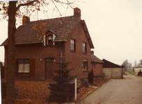 578273 Tuinderswoning aan de Hazeldonk 6, 1982