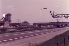 578300 Kanaaldijk Noord bij sluis 11, links Raaymakers betoncentrale, 1983