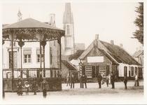 576010 Marktplein, links achter de kiosk het gemeentehuis, 1900