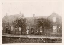 576630 Torenstraat, met in het midden het huis van L.J. Coolen, 1885-1895