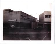 576734 De Rabobank op de hoek van de Emmastraat en de burgemeester Frenckenstraat, 1980-1990