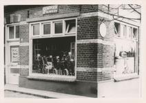 576757 Fietsenwinkel van P. Bukkems, Hemel, 1955