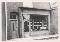576776 Bakkerij en banketwinkel van Slaats, Burgemeester Wijnenstraat, 1955