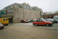 576841 Achterzijde Midaswinkelcentrum, met parkeerterrein, Burgemeester Frenckenstraat, 1999
