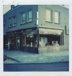 576905 Brood en Banketzaak van J.v.d. Heuvel, Margrietstraat, 1969