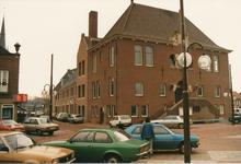 576944 Gemeentehuis met uitbreiding, Markt, 1985