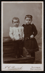 1821-4 Deventer - Album Burgerweeshuis en Kinderhuis - Carte de visitePortret van twee kinderen, jongen en meisje.