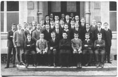 236063 Missionskolleg St. Karl te Valkenburg: groepsfoto van de 'Quarta' klas
