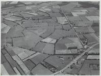 Provinciale weg Maarsbergen-Woudenberg rechts onderaan met afsplitsing van de Griftdijk bij boerderij van de Pol