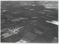 Luchtfoto van gebied van de Heuvelrug tussen Maarn en De Ruiterberg.Helemaal bovenaan van links naar rechts A12 en ...
