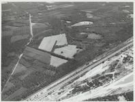 Het Noordhout gezien vanuit de richting van de Maarnse Berg, links het tracé van de aardgasleiding.Rechtsonder A12 en ...