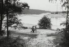 Zandafgraving, meer en eiland