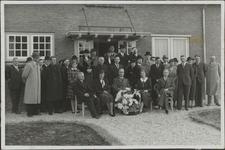 Foto genomen bij de opening in 1937 van het wijkgebouw van de vereniging Het Groene Kruis Maarn-Maarsbergen, gelegen ...