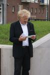 Onthulling van het kunstwerk Paard Met Haan: wethouder Koudijs houdt een toespraak